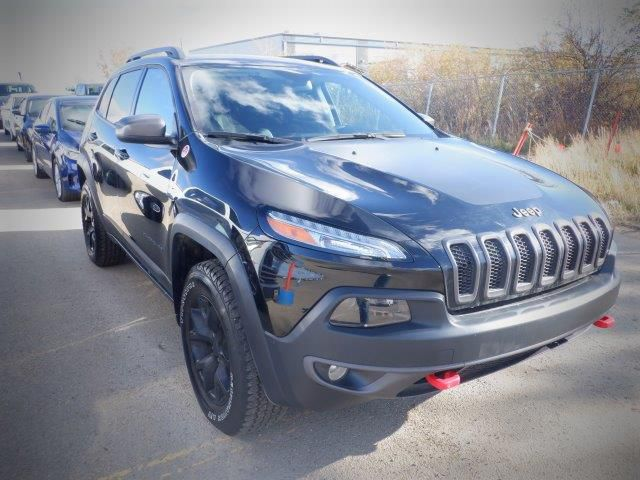 Black[Diamond Black Crystal Pearl] 2018 Jeep CherokeeTrailhawk 4x4 *Heated Seats/Wheel* *Remote Start* NAV* Right Front Corner Photo in Brandon MB