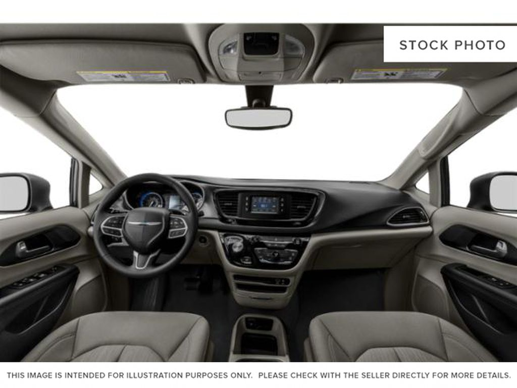 Granite Crystal Met. Clear Coa 2020 Chrysler Pacifica Central Dash Options Photo in Cold Lake AB