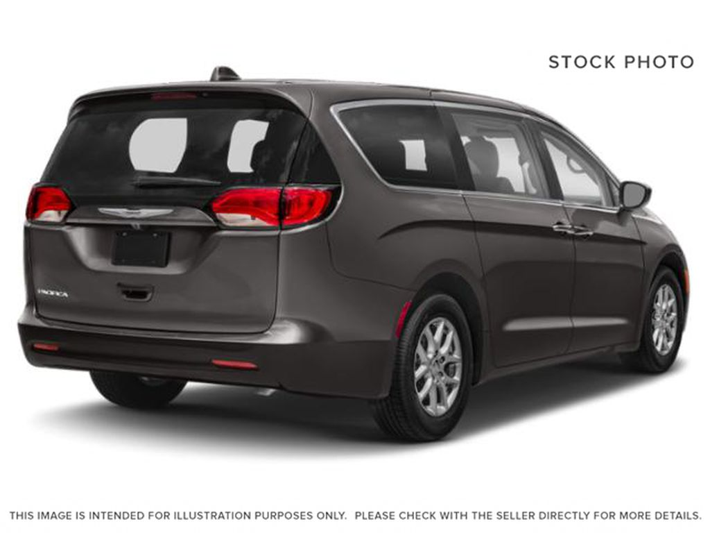 Granite Crystal Met. Clear Coa 2020 Chrysler Pacifica Right Rear Corner Photo in Cold Lake AB