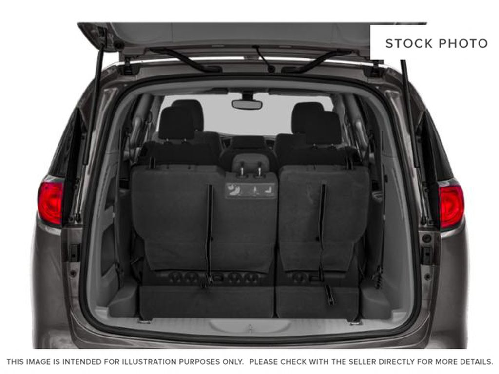 Granite Crystal Met. Clear Coa 2020 Chrysler Pacifica Trunk / Cargo Area Photo in Cold Lake AB