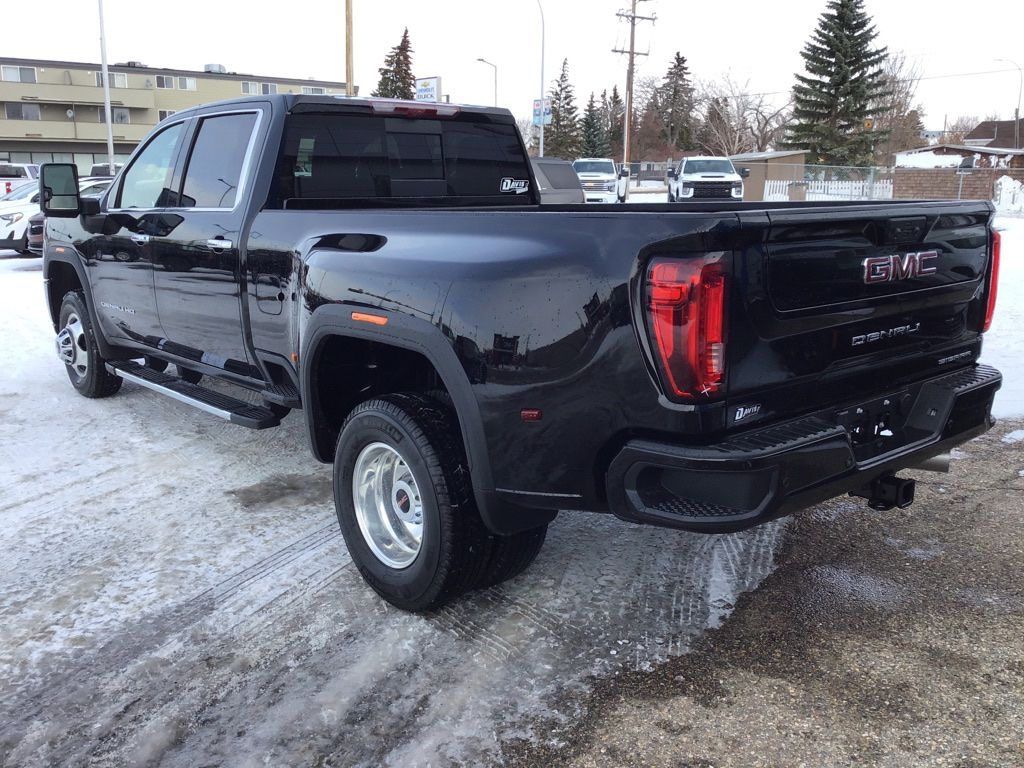 Black 2020 GMC Sierra 3500HD Left Front Rim and Tire Photo in Brooks AB