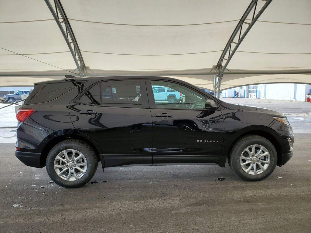 Blue 2021 Chevrolet Equinox Right Rear Corner Photo in Airdrie AB