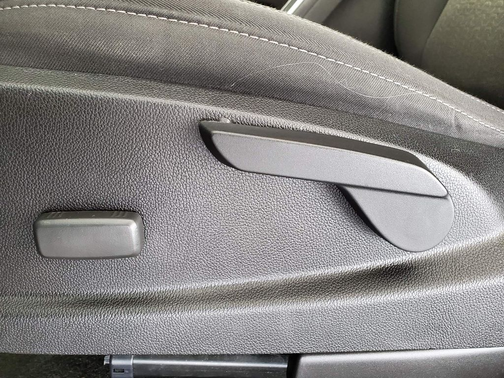 Black 2017 GMC Canyon Left Front Interior Photo in Airdrie AB