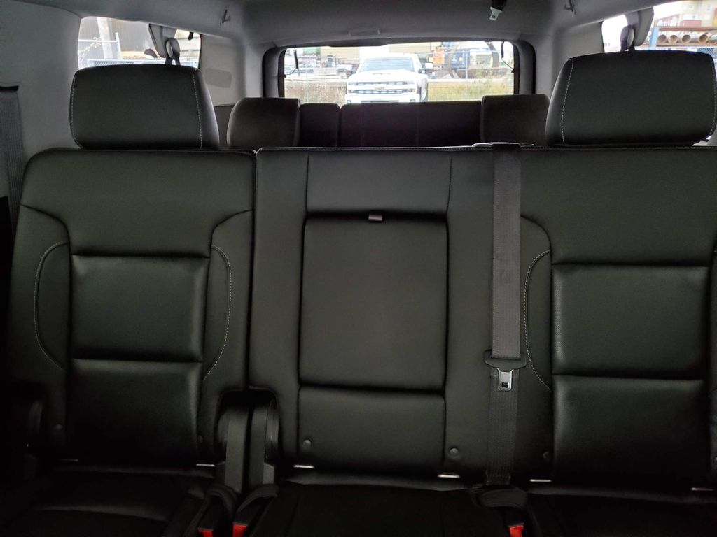 2020 GMC Yukon XL Center Console Photo in Airdrie AB