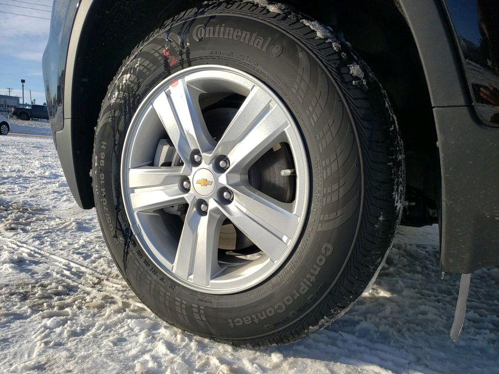 Black 2021 Chevrolet Trax Front Vehicle Photo in Westlock AB
