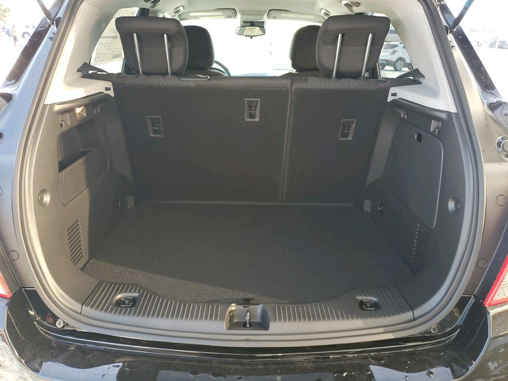Black 2021 Chevrolet Trax Engine Compartment Photo in Westlock AB