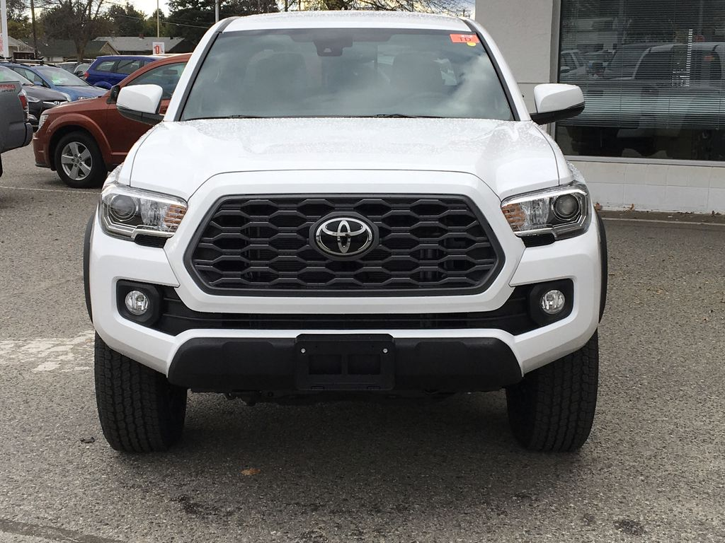 White[Super White] 2021 Toyota Tacoma TRD Off Road Front Vehicle Photo in Kelowna BC