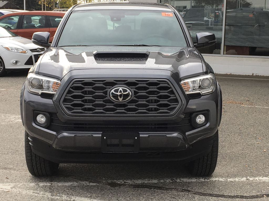 Magnetic Grey Metallic 2021 Toyota Tacoma TRD Sport Front Vehicle Photo in Kelowna BC