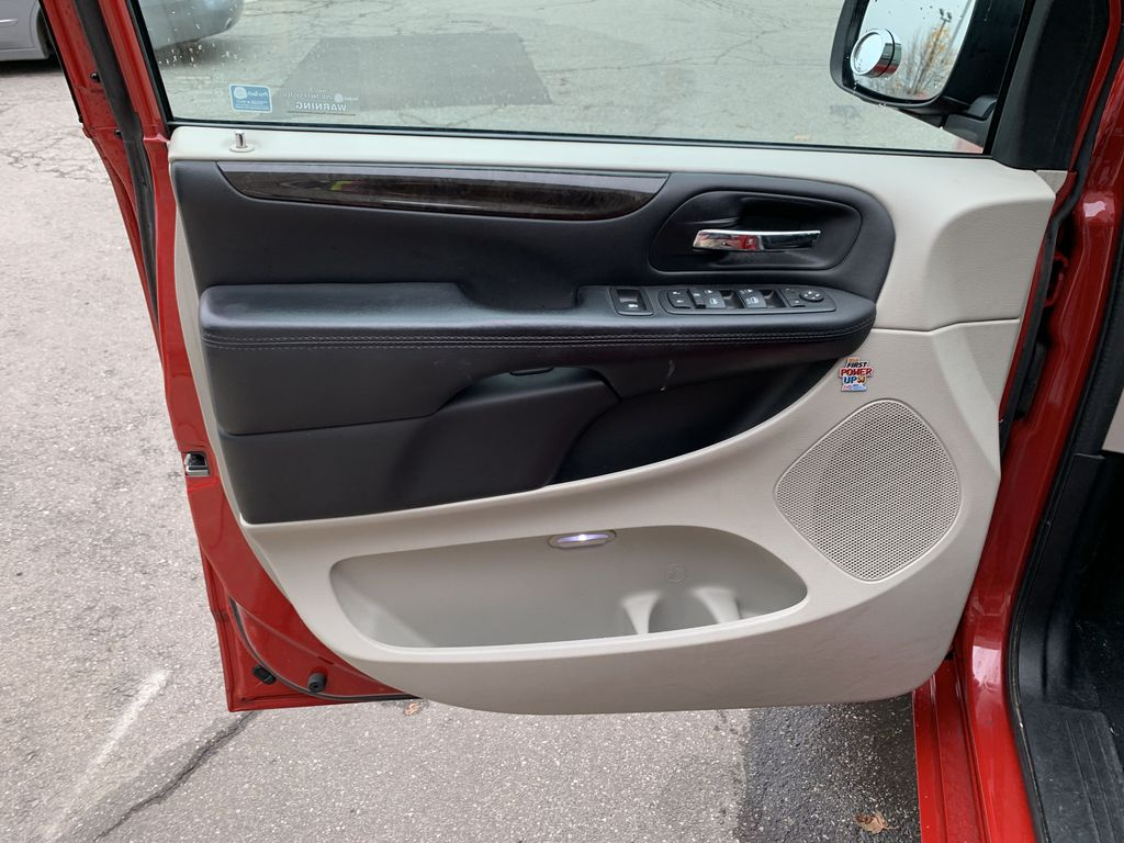 Red[Deep Cherry Red Crystal Pearl] 2016 Dodge Grand Caravan Left Rear Interior Door Panel Photo in Brampton ON