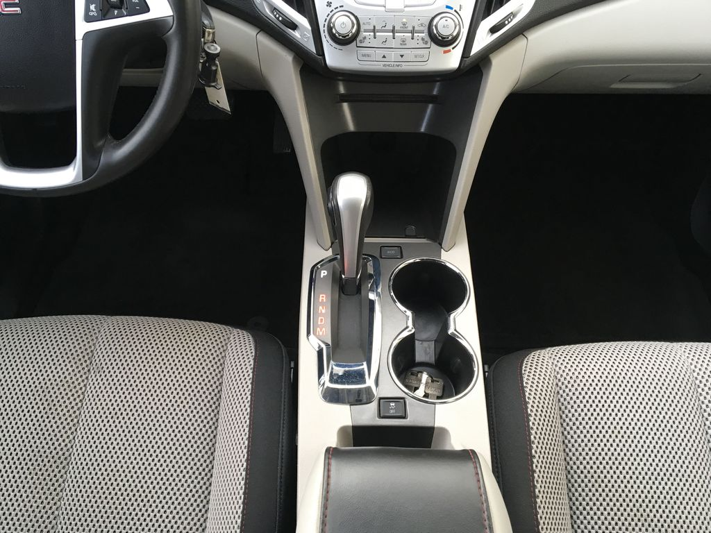 Champagne 2015 GMC Terrain Center Console Photo in Kelowna BC