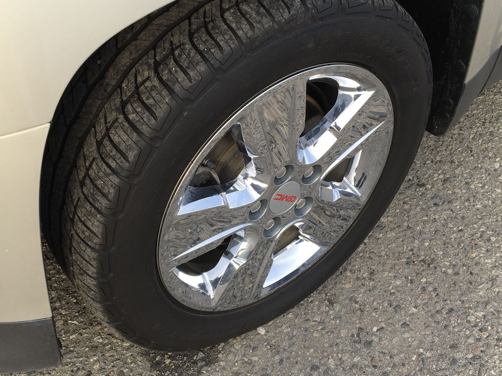 Champagne 2015 GMC Terrain Left Front Rim and Tire Photo in Kelowna BC