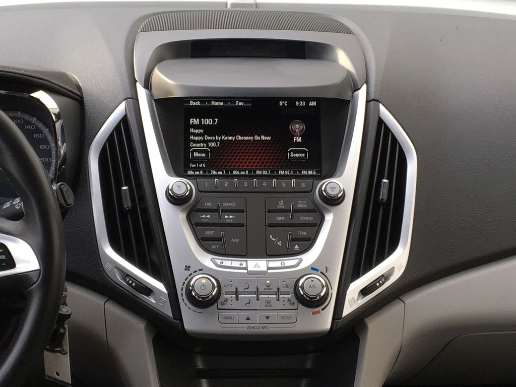 Champagne 2015 GMC Terrain Central Dash Options Photo in Kelowna BC