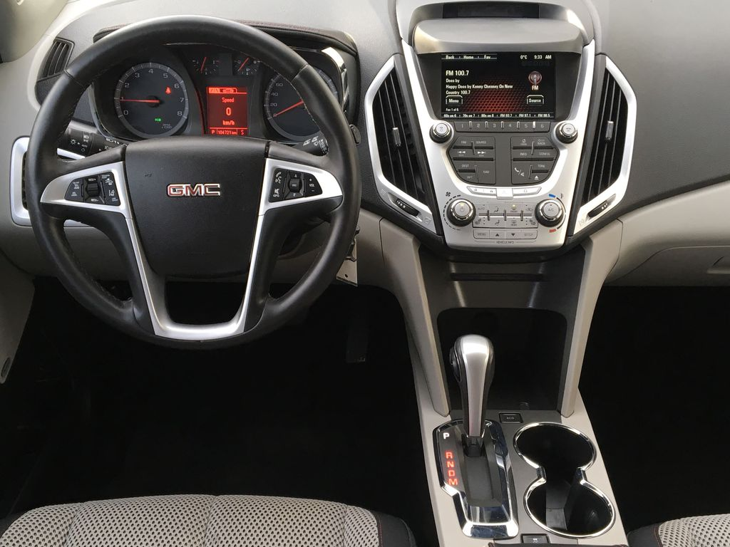 Champagne 2015 GMC Terrain Steering Wheel and Dash Photo in Kelowna BC