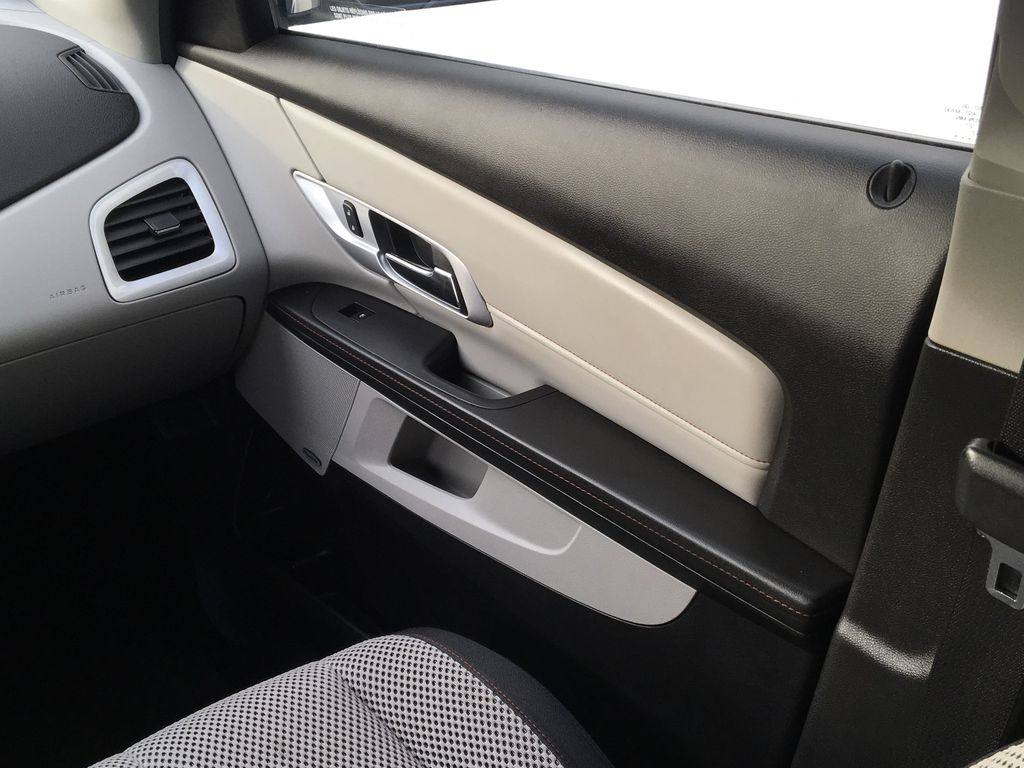 Champagne 2015 GMC Terrain Right Front Interior Door Panel Photo in Kelowna BC