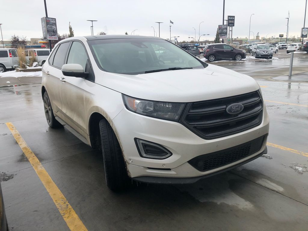 White[UG,White Platinum Metallic Tri-Coat] 2017 Ford Edge Sport
