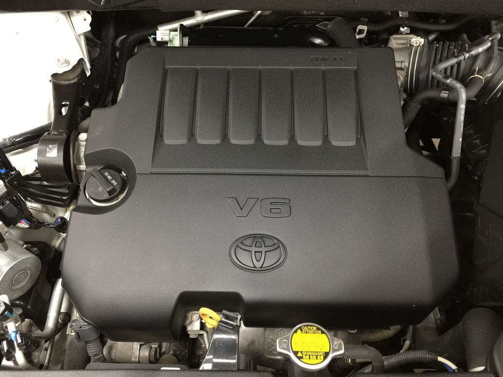 2014 Toyota Highlander LIMITED / SUNROOF Engine Compartment Photo in Sherwood Park AB