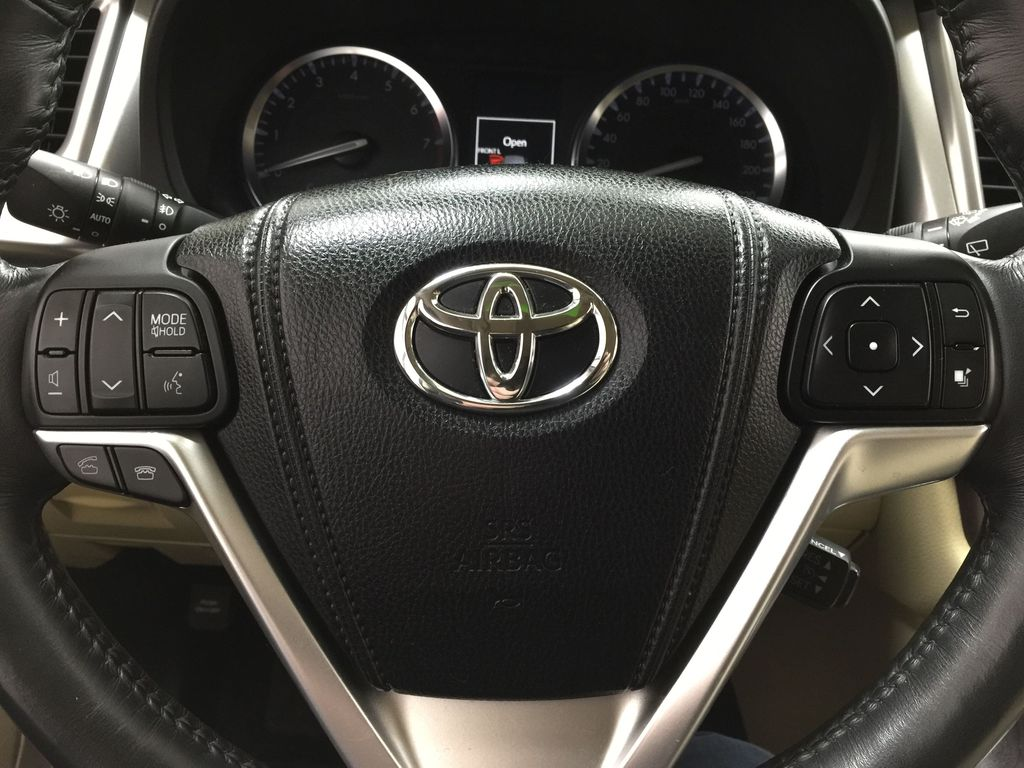 2014 Toyota Highlander LIMITED / SUNROOF Steering Wheel and Dash Photo in Sherwood Park AB