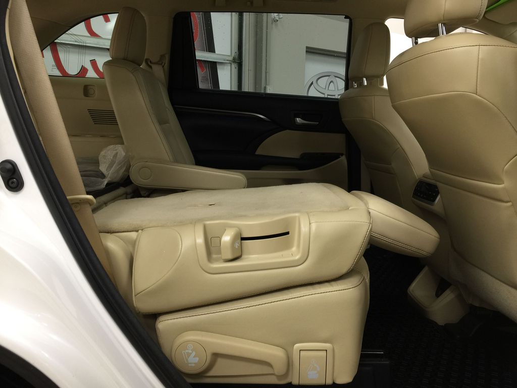 2014 Toyota Highlander LIMITED / SUNROOF Right Side Rear Seat  Photo in Sherwood Park AB
