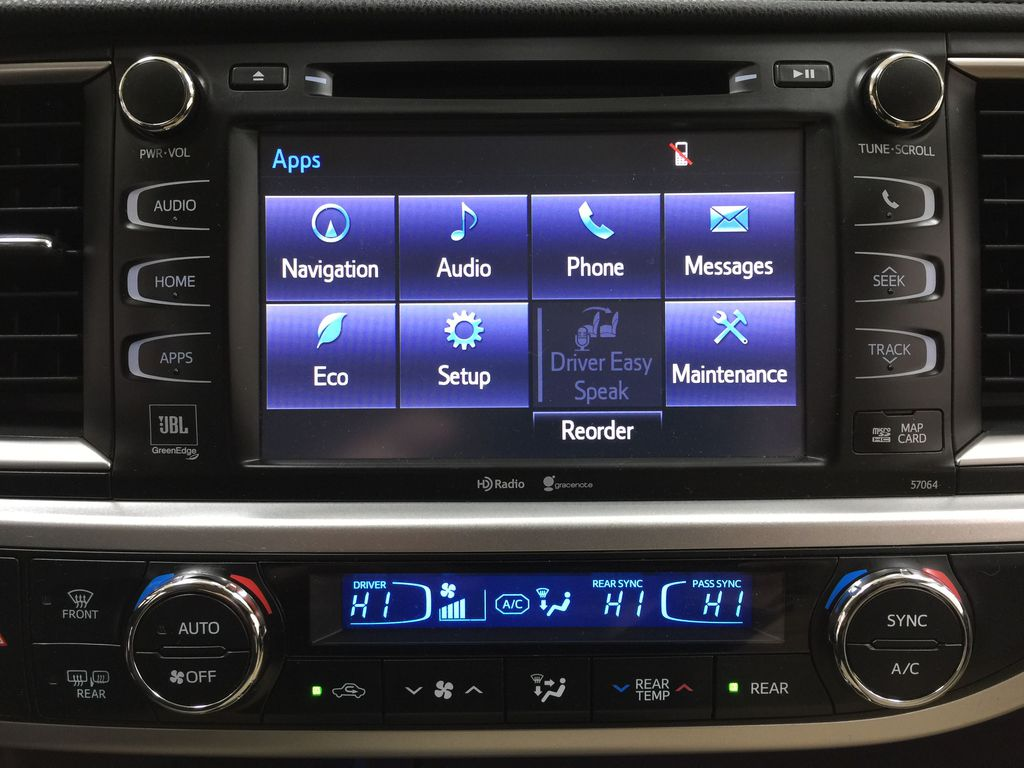 2014 Toyota Highlander LIMITED / SUNROOF Infotainment Closeup Photo in Sherwood Park AB