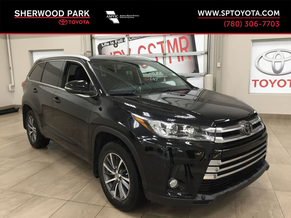 Black[Midnight Black Metallic] 2018 Toyota Highlander XLE