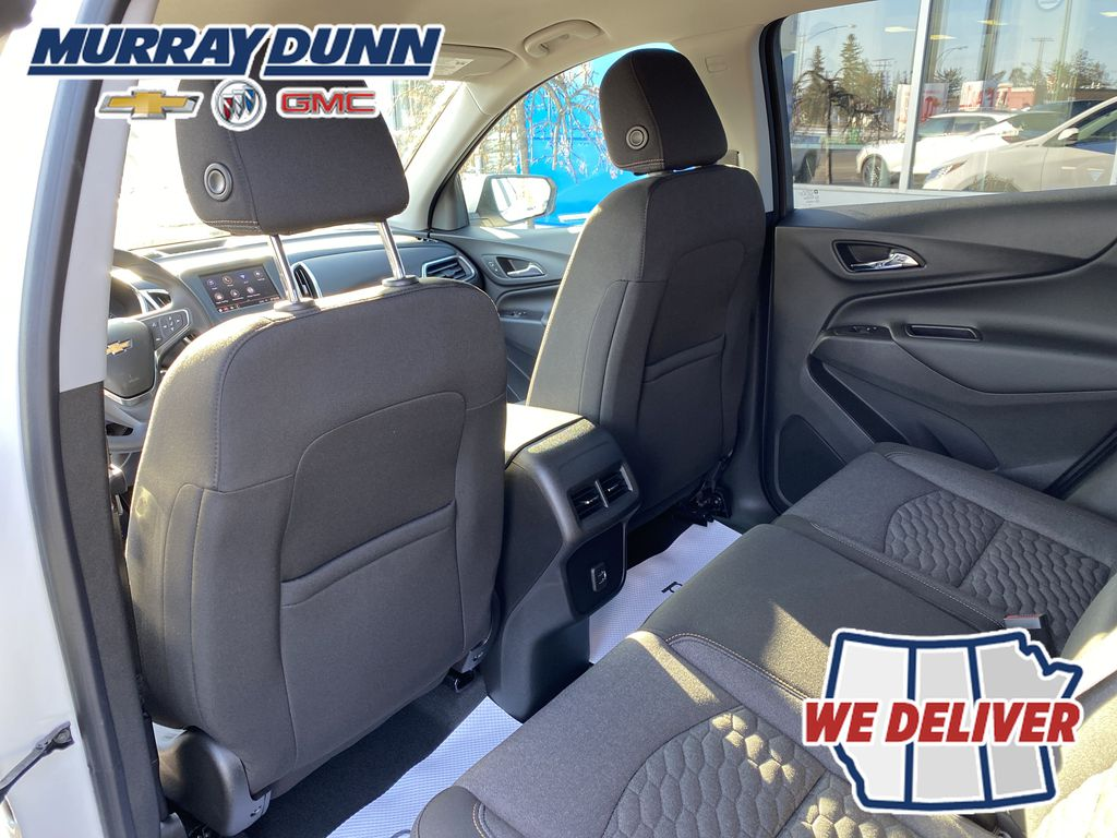 Summit Qhite 2021 Chevrolet Equinox LT Third Row Seat Photo in Nipawin SK