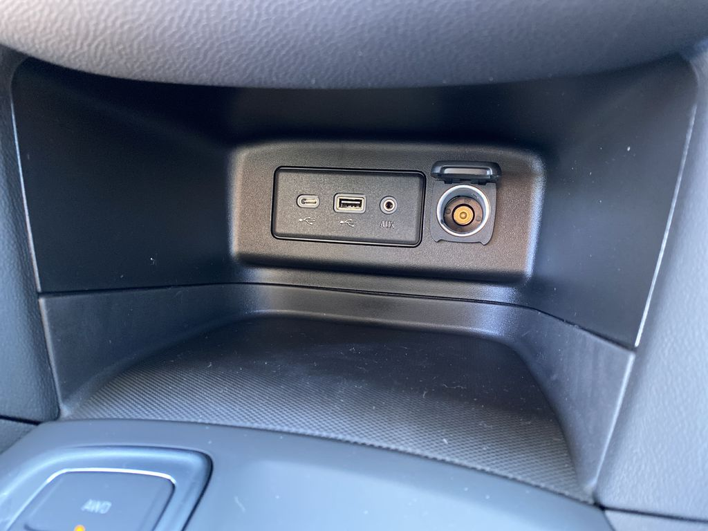 Summit Qhite 2021 Chevrolet Equinox LT Charge Ports/Pads (If applicable) in Nipawin SK