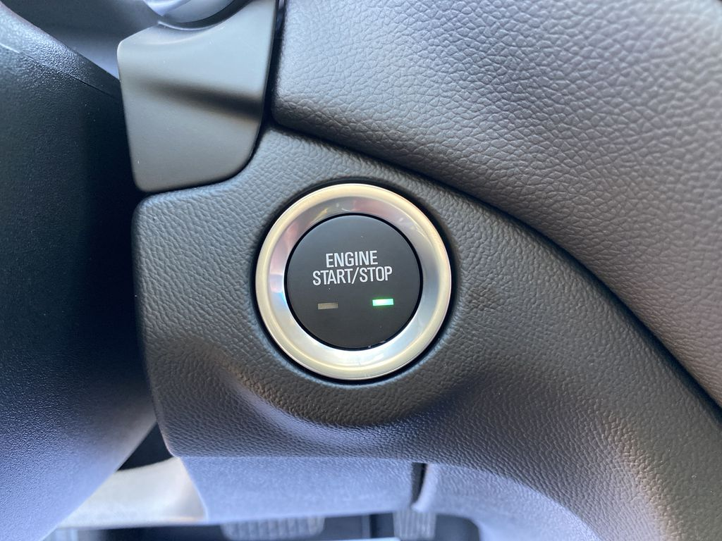 Summit Qhite 2021 Chevrolet Equinox LT Push Button Start Photo in Nipawin SK