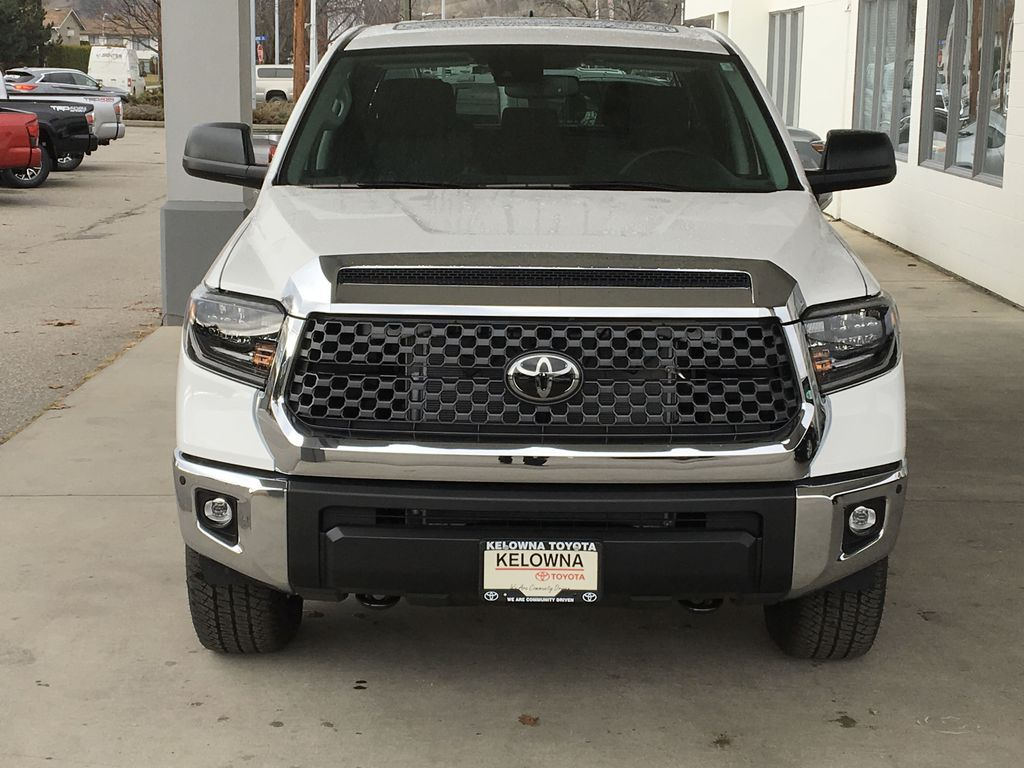 White[Super White] 2021 Toyota Tundra TRD Off Road Front Vehicle Photo in Kelowna BC