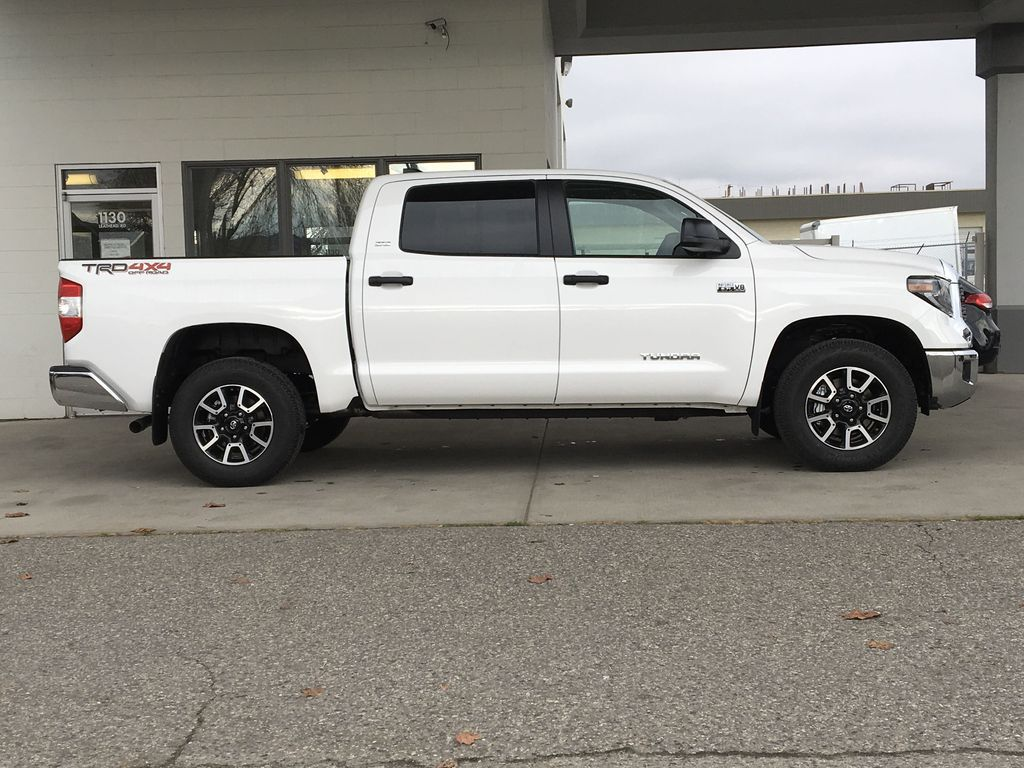 White[Super White] 2021 Toyota Tundra TRD Off Road Right Side Photo in Kelowna BC