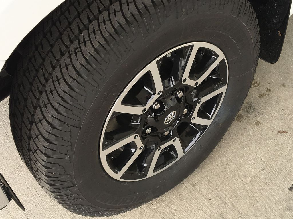 White[Super White] 2021 Toyota Tundra TRD Off Road Left Front Rim and Tire Photo in Kelowna BC