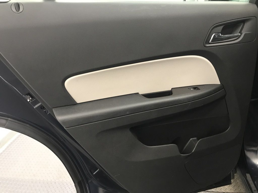 Blue 2016 Chevrolet Equinox Central Dash Options Photo in Lethbridge AB