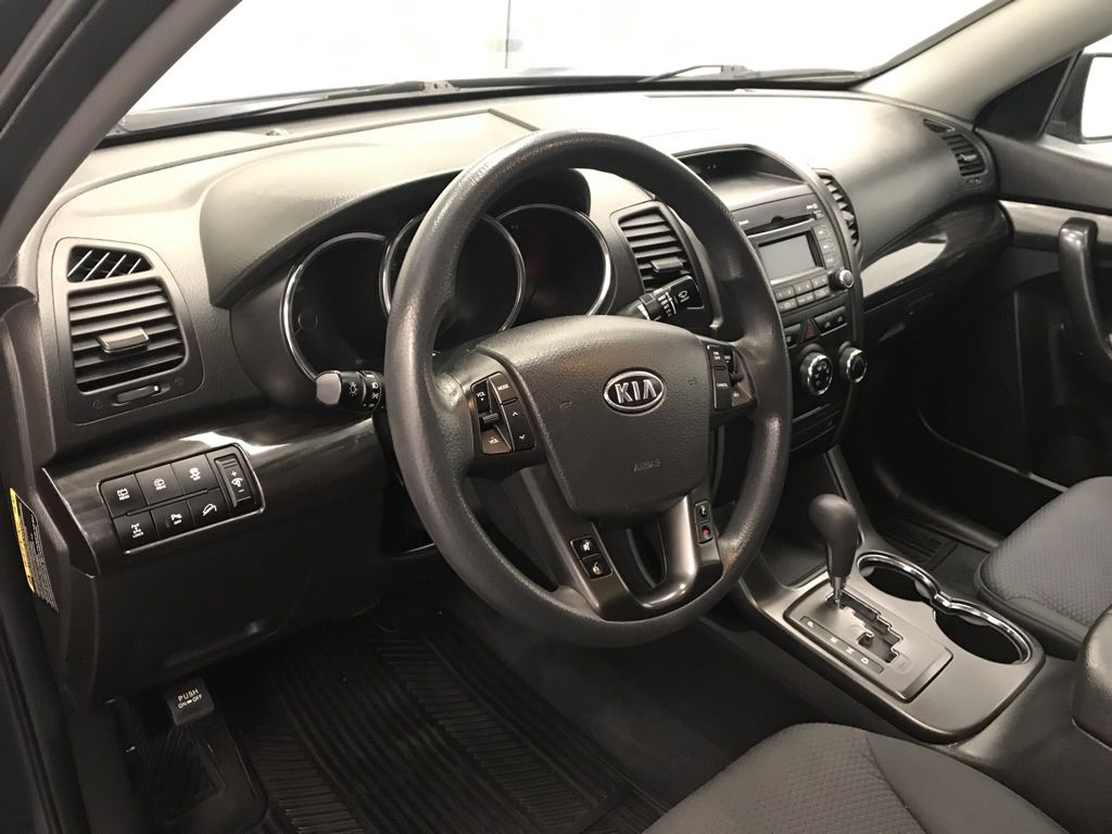 Blue 2011 Kia Sorento Trim Specific Photo in Lethbridge AB