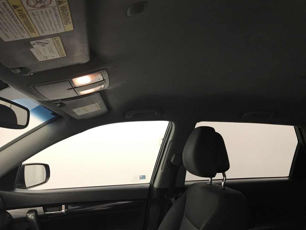 Blue 2011 Kia Sorento Center Console Photo in Lethbridge AB