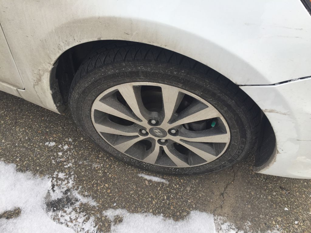 White[Century White] 2017 Hyundai Accent SE Right Rear Corner Photo in Sherwood Park AB