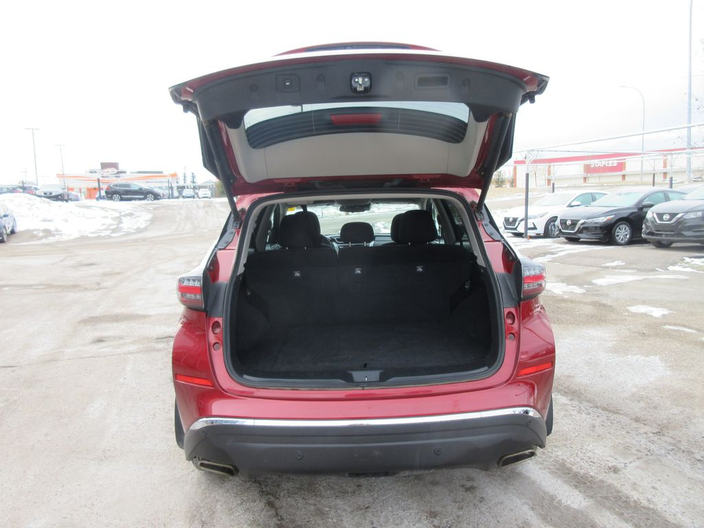 Red[Cayenne Red Metallic] 2020 Nissan Murano Center Console Photo in Okotoks AB