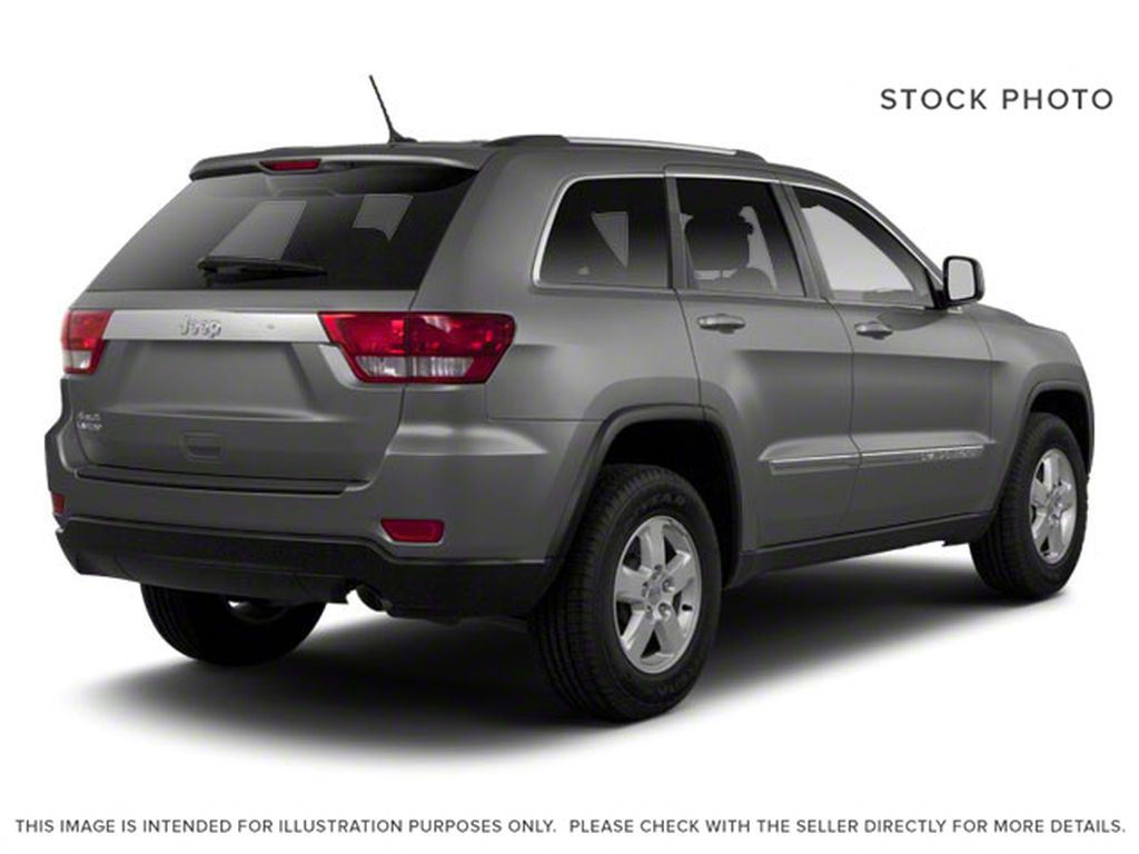 2013 Jeep Grand Cherokee Right Rear Corner Photo in Fort Macleod AB