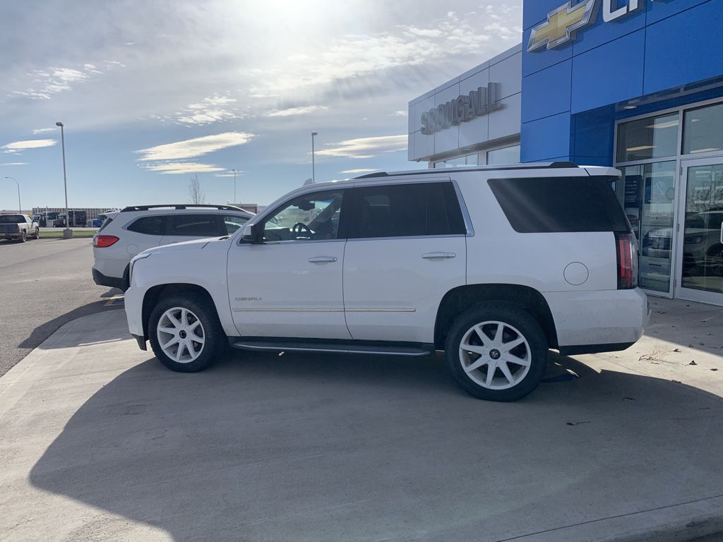 White[Summit White] 2015 GMC Yukon Left Front Head Light / Bumper and Grill in Fort Macleod AB