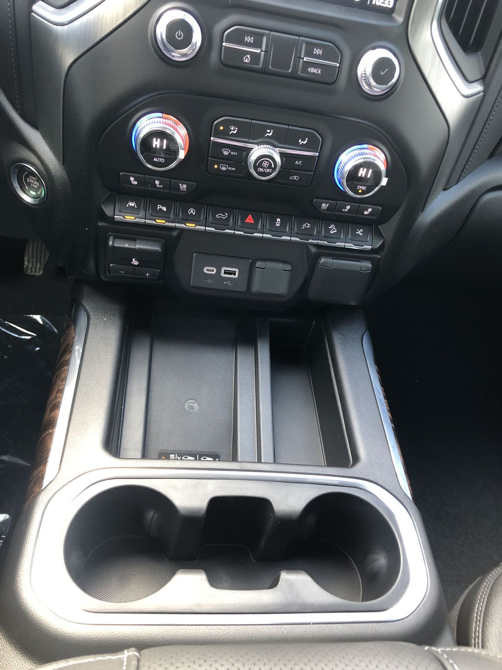 White[White Frost Tricoat] 2021 GMC Sierra 1500 Denali Center Console Photo in Canmore AB