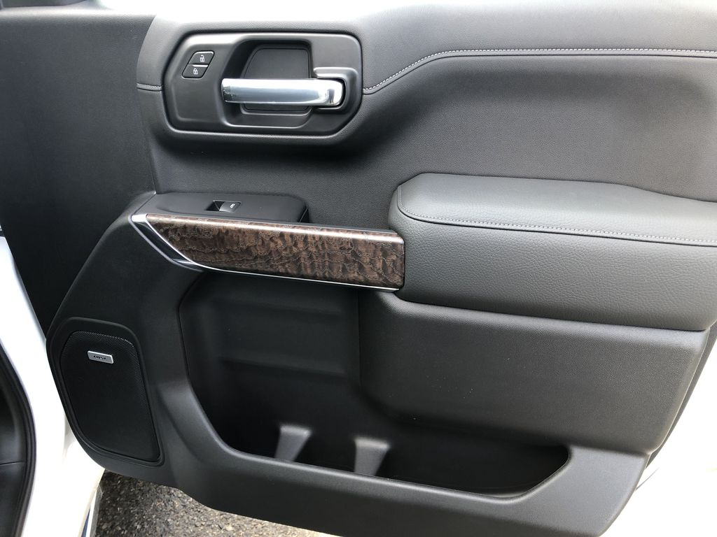 White[White Frost Tricoat] 2021 GMC Sierra 1500 Denali Right Front Interior Door Panel Photo in Canmore AB