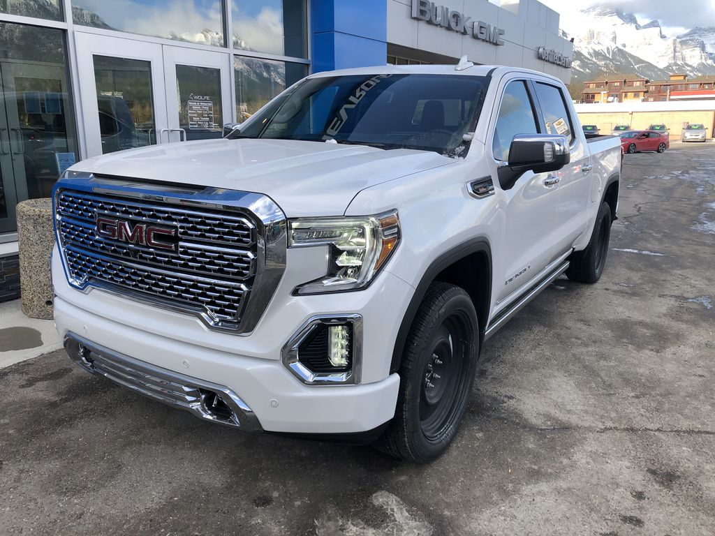 White[White Frost Tricoat] 2021 GMC Sierra 1500 Denali Left Front Corner Photo in Canmore AB