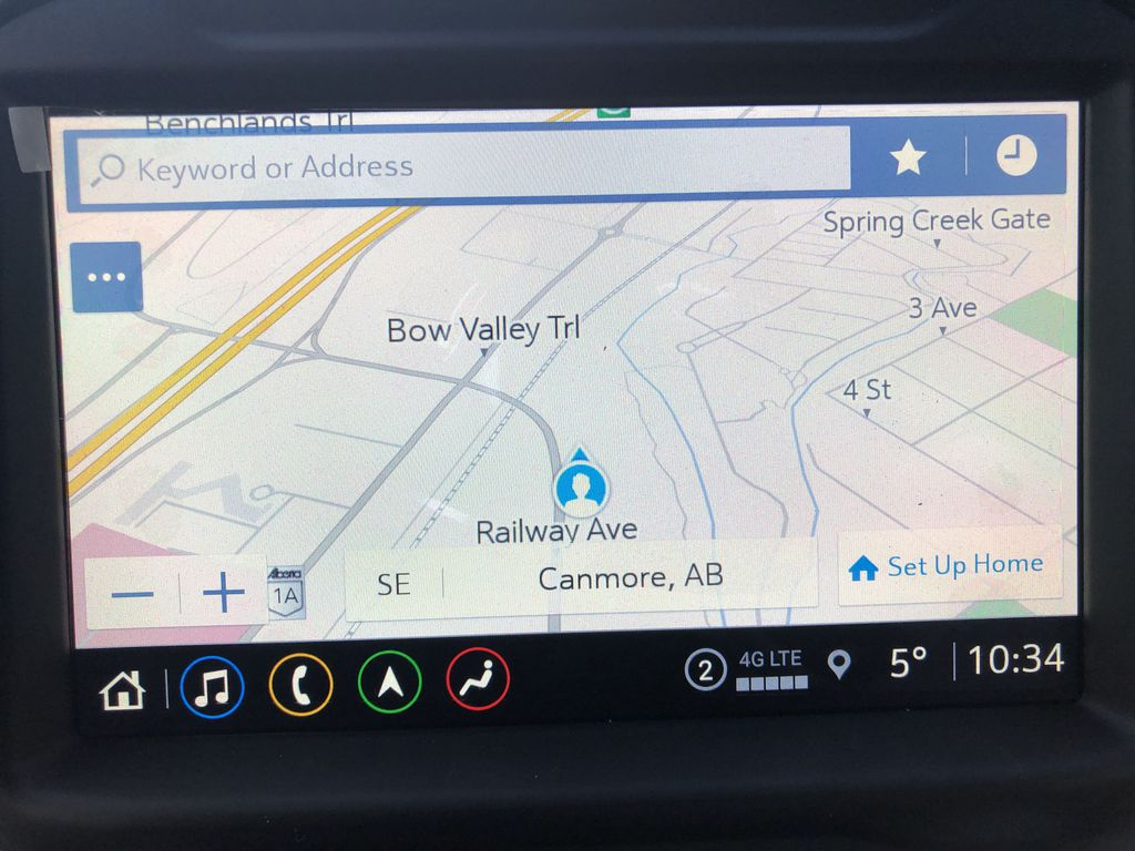 White[White Frost Tricoat] 2021 GMC Sierra 1500 Denali Navigation Screen Closeup Photo in Canmore AB