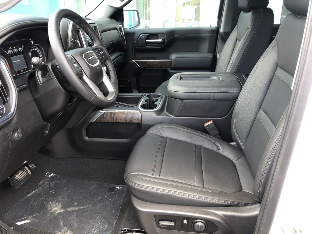 White[White Frost Tricoat] 2021 GMC Sierra 1500 Denali Left Front Interior Photo in Canmore AB