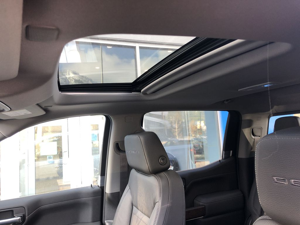 White[White Frost Tricoat] 2021 GMC Sierra 1500 Denali Sunroof Photo in Canmore AB