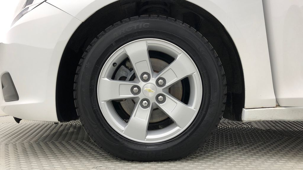White[Summit White] 2013 Chevrolet Malibu LS - Cheap Used Car For Sale, Cruise Control Left Front Rim and Tire Photo in Winnipeg MB