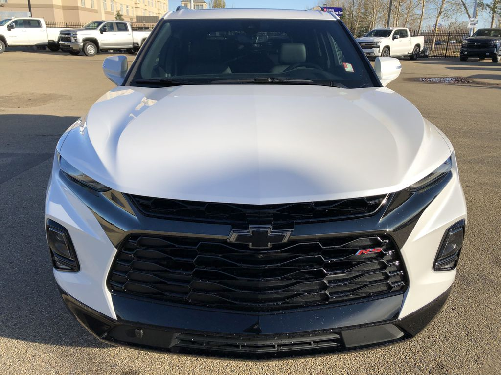 White[Iridescent Pearl Tricoat] 2021 Chevrolet Blazer Front Vehicle Photo in Edmonton AB