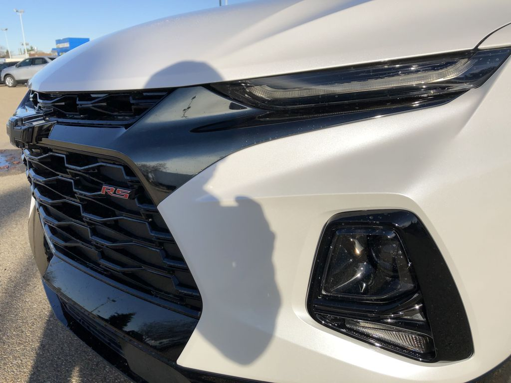 White[Iridescent Pearl Tricoat] 2021 Chevrolet Blazer Left Front Head Light / Bumper and Grill in Edmonton AB