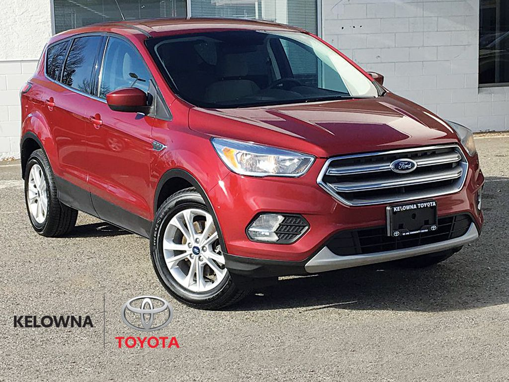 Red[Ruby Red Metallic Tinted Clearcoat] 2017 Ford Escape SE