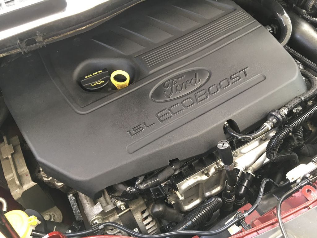 Red[Ruby Red Metallic Tinted Clearcoat] 2017 Ford Escape SE Engine Compartment Photo in Kelowna BC