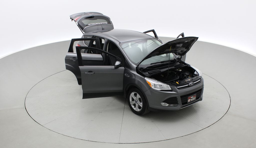 Gray[Sterling Grey Metallic] 2013 Ford Escape SE AWD - 2.0L EcoBoost, Bluetooth, SAT Radio Left Front Corner Photo in Winnipeg MB
