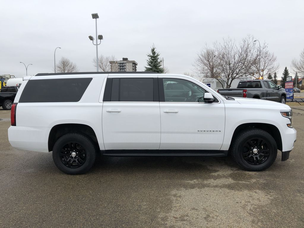 White[Summit White] 2019 Chevrolet Suburban Right Side Photo in Edmonton AB